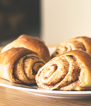photo of cinnamon rolls